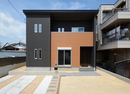 滋賀県草津市追分3丁目 モデルハウス(3LDK+中二階)